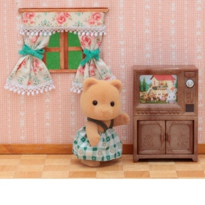 Sylvanian Families Ayı Kız ve TV Set