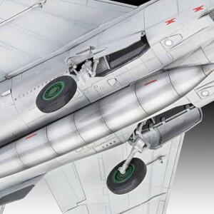 Revell 1:72 MiG-25 RBT Foxbat B Uçak 03878