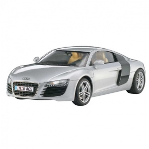 Revell 1:24 Audi R8 Model Set Araba