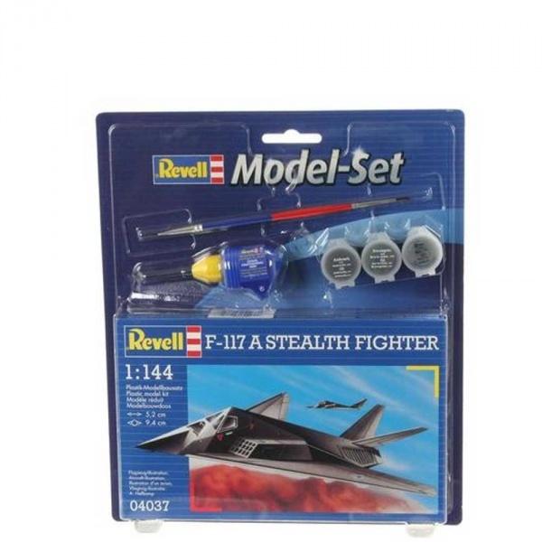 Revell 1:144 F-117 Stealth Fighter Model Set Uçak