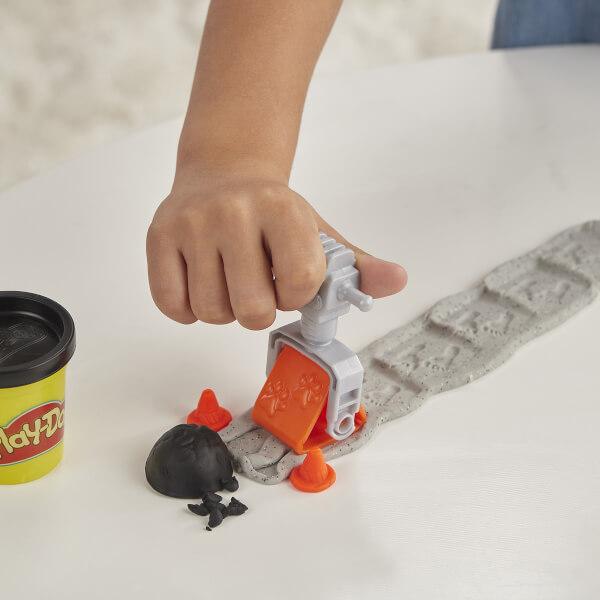 Play Doh Çalışkan Çimento Kamyonu E6891
