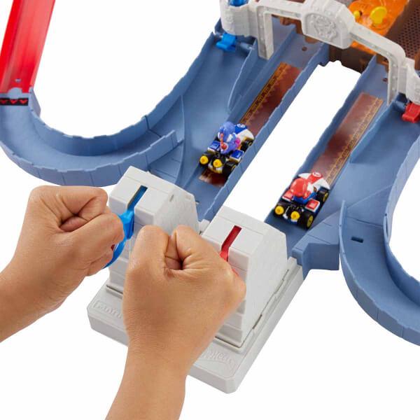 Hot Wheels Mario Kart Bowser'ın Kalesinde Kaos Pist Seti  GNM22