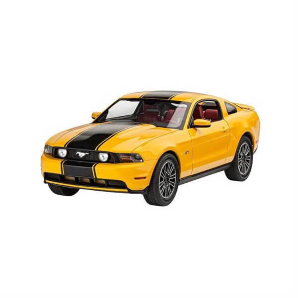 Revell 1:25 2010 Ford Mustang Araba 7046