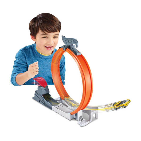 Hot Wheels Akrobasi Atlayış Pist Seti FTH79