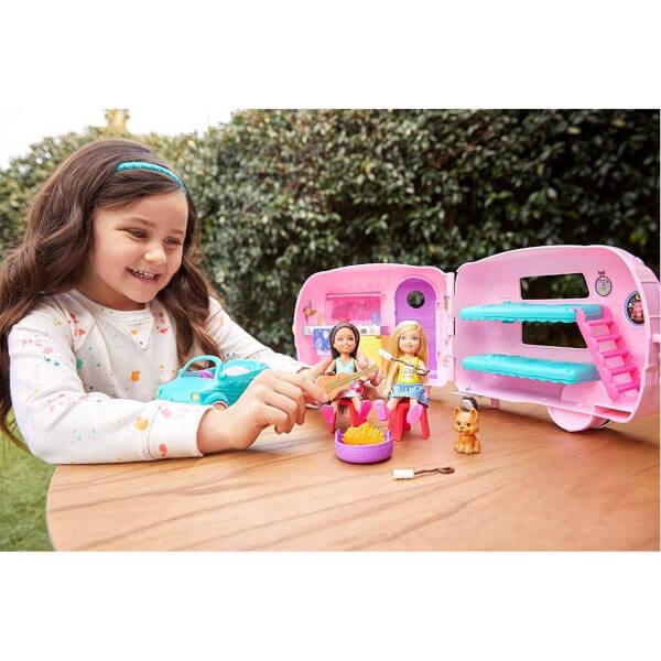 Barbie Chelsea'nin Karavanı FXG90