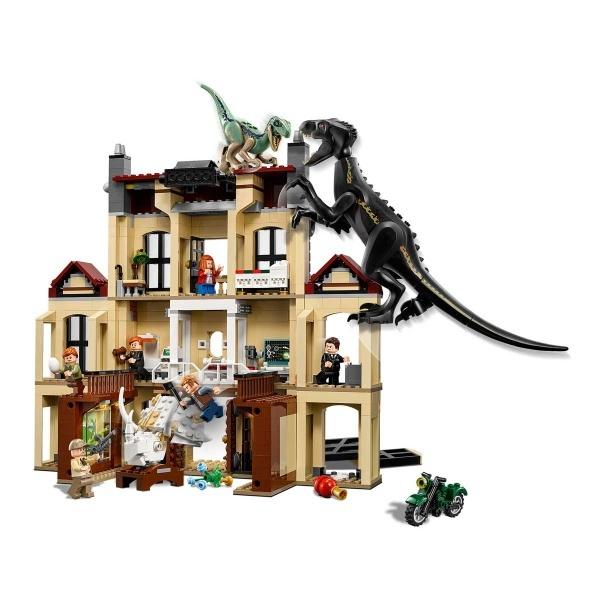 LEGO Jurassic World Lockwood Estate'te Indoraptor Hücumu 75930