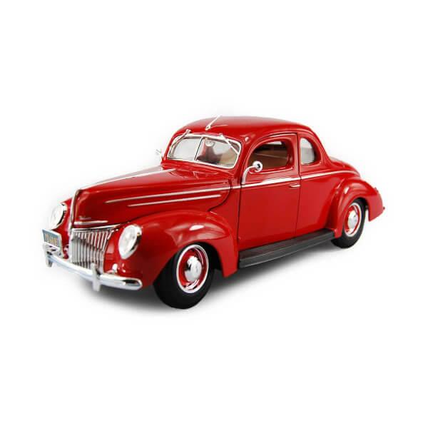 1:18 Maisto Ford Deluxe Tudor 1939 Model Araba