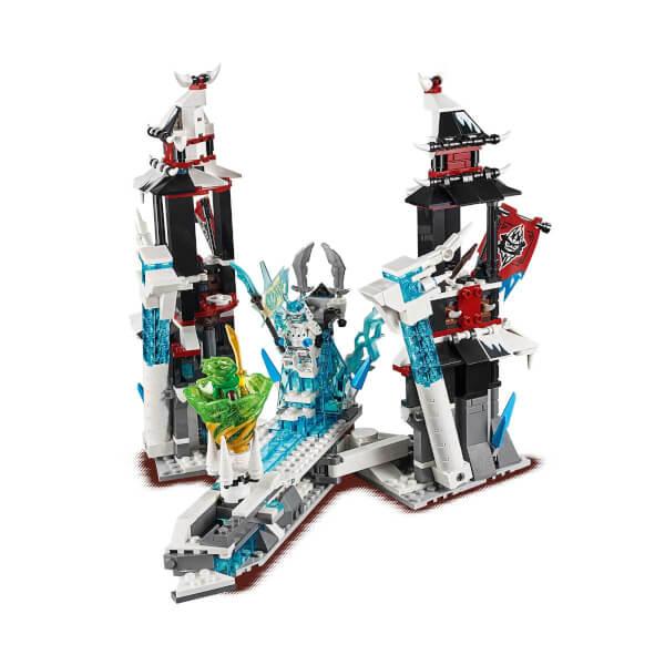 LEGO Ninjago Yalnız İmparatorun Kalesi 70678